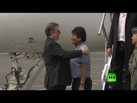طائرة الرئيس البوليفي المستقيل تهبط في مطار العاصمة المكسيكية