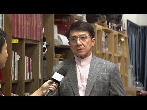 شاهد جاكي تشان ينضم لحملة مليارية لحماية علم الصين ضد متظاهري هونغ كونغ