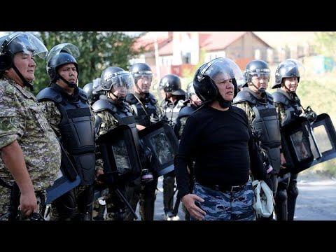 شاهد القوات الخاصة تداهم منزل رئيس قرغيزستان السابق وتعتقله