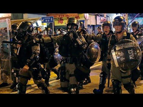 شاهد احتجاجات مناوئة للحكومة وأخرى مؤيدة للشرطة في هونغ كونغ