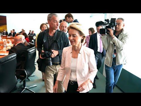 وزيرة الدفاع الألمانية تأمل بأن تصبح أول امرأة تتولى رئاسة المفوضية الأوروبية