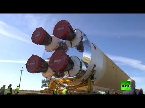 نقل صاروخ sls الفضائي لاختباره
