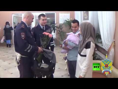 شرطة مرور موسكو تسعف امرأة حامل إلى دار التوليد