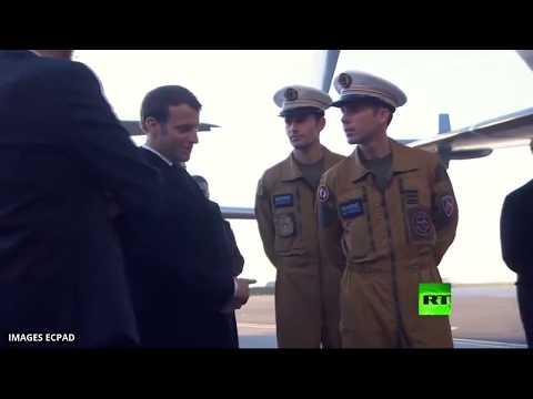 إيمانويل ماكرون يزور القاعدة الجوية 123 أورليانبريسي