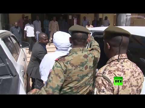 شاهد النيابة العامة في السودان تستدعي عمر البشير
