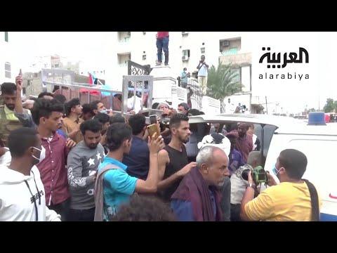 شاهد آلاف اليمنيين يشيعون جثمان الصحافي نبيل القعيطي الذي اغتيل في عدن