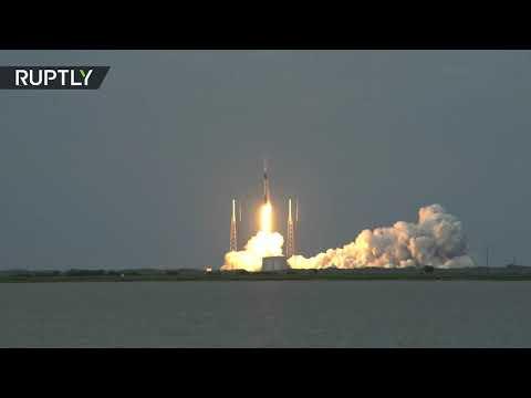 شاهد إطلاق صاروخ فالكون9 يحمل قمرًا صناعيًا لسبر الأرض
