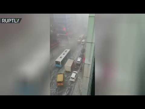 شاهد أمطار غزيرة تجتاح إسطنبول التركية وتُعطل حركة المرور