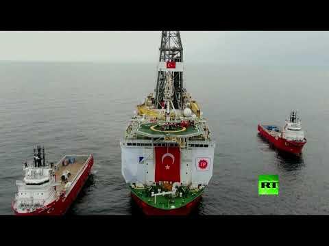 شاهد أردوغان يتفقد سفينة الفاتح للتنقيب في البحر الأسود