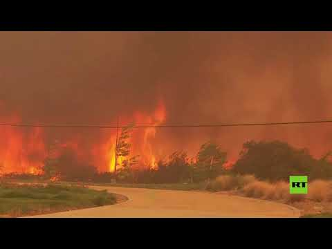 شاهد إجلاء 100 ألف شخص في كاليفورنيا الأميركية بسبب الحرائق
