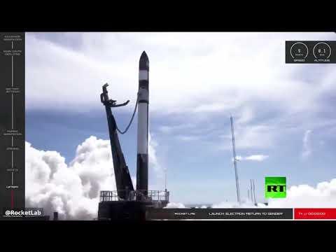 شاهد أميركا تطلق 30 قمرًا صناعيًا إلى مدارات الأرض