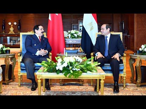 الرئيس المصري عبد الفتاح السيسي يلتقي ملك البحرين في شرم الشيخ