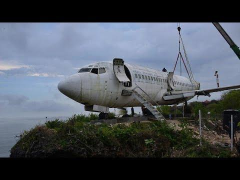 طائرة بوينغ خارجة عن الخدمة تحط في بالي لاستقطاب السياح